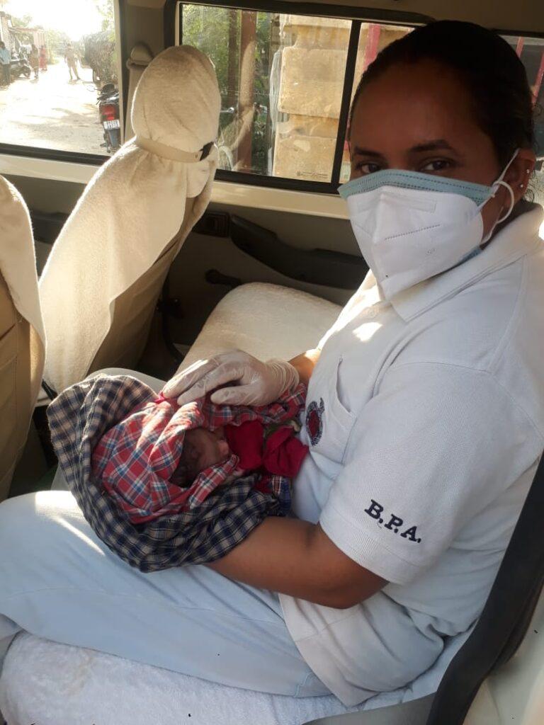 मां ने नवजात को फेंका सड़क किनारे, रोने की आवाज सुन पुलिस ने बचाई जान »  BeforePrint News   Hyperlocal News Hindi